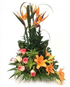 Arreglo Floral con lirios rosas y aves del paraíso